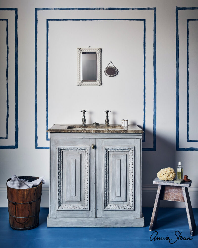 Bathroom painted in Pure Chalk Paint and Greek Blue.